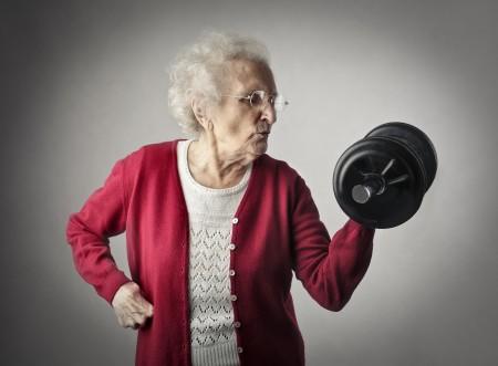 Grand mère qui fait le défi